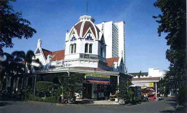 Belajar Bahasa Gratis di Rumah Bahasa Surabaya